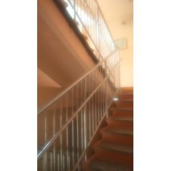Перила двойные для лестницы высотой 1200 мм